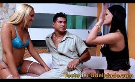 Grupal brasileiro com mecânico sortudo da porra torando duas belas gostosas