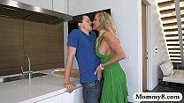 potrn hub com Brandi Love querendo pica no meio da cozinha